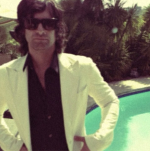 Pete Yorn hanging by the pool